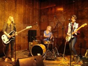 Noise-Punk mit einem Hauch von Grunge: Aivery bei einem ihrer Auftritte (c) Spotting