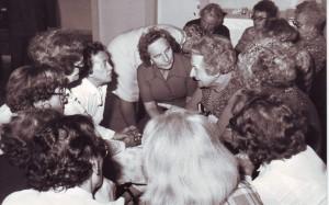 Rosa Jochmann und andere ehemalige Gefangene des KZ Ravensbrück (c) www.ravensbrueckerinnen.at