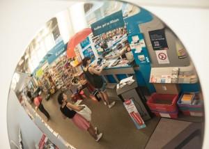Tief in die Tasche greifen müssen Studierende, wenn sie bei Facultas einkaufen - einzig beim Kopieren sparen sie sich ein paar Euro. (c) Luiza Puiu