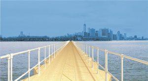Die Fußgängerbrücke (im Bild als Simulation) soll einen Tag lang Brooklyn mit Governors Island, im Süden von Manhattan, verbinden.© Braden Caldwell