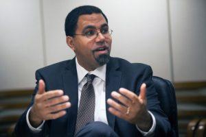 """""""Kürzungen der Staatsausgaben hatten zur Folge, dass Studieren teurer wurde. Diesen Kurs müssen die Bundesstaaten revidieren"""", sagt King."""